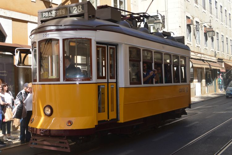 Stedentrip Lissabon - Tram 28 - Reisvlinder.nl