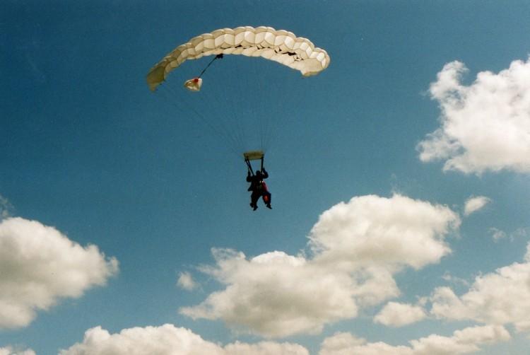 Parachutespringen in Zeeland Skydive