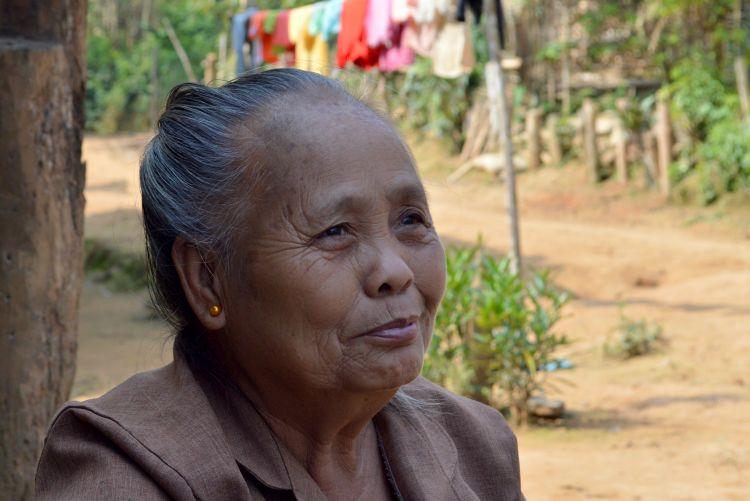 portret laos