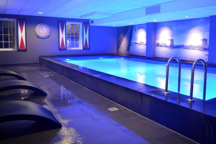 zaanse huisjes hotel - zwembad