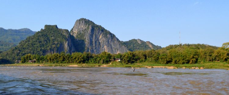 slowboat thailand laos tips