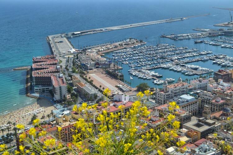 wat te doen in Alicante - uitzicht vanaf het kasteel