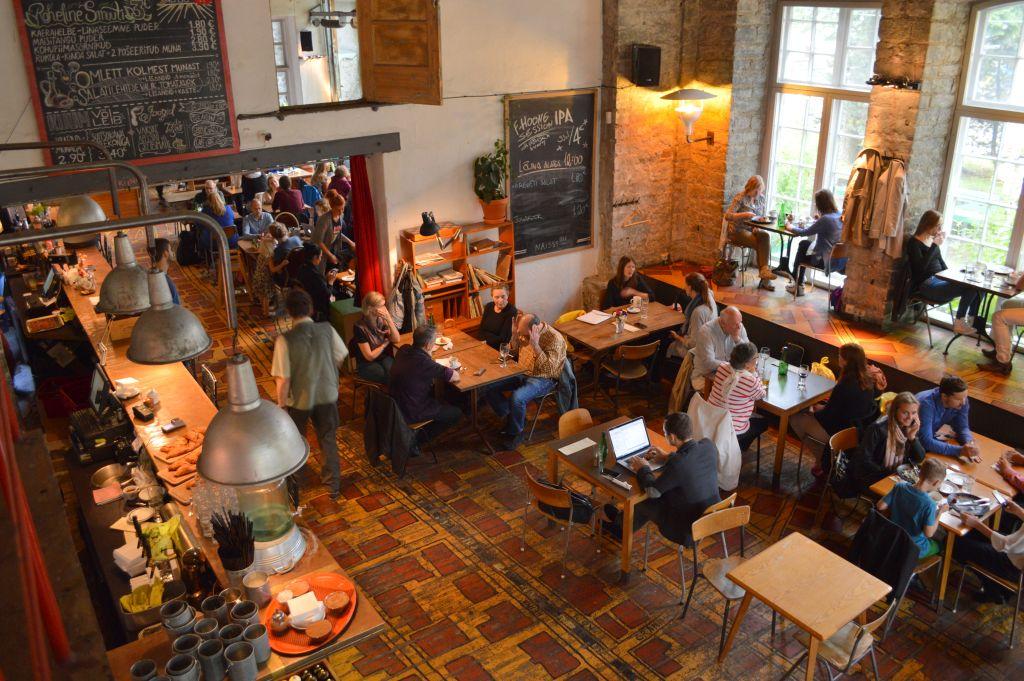 overdekte bezienswaardigheden tallinn - lunchen creative city