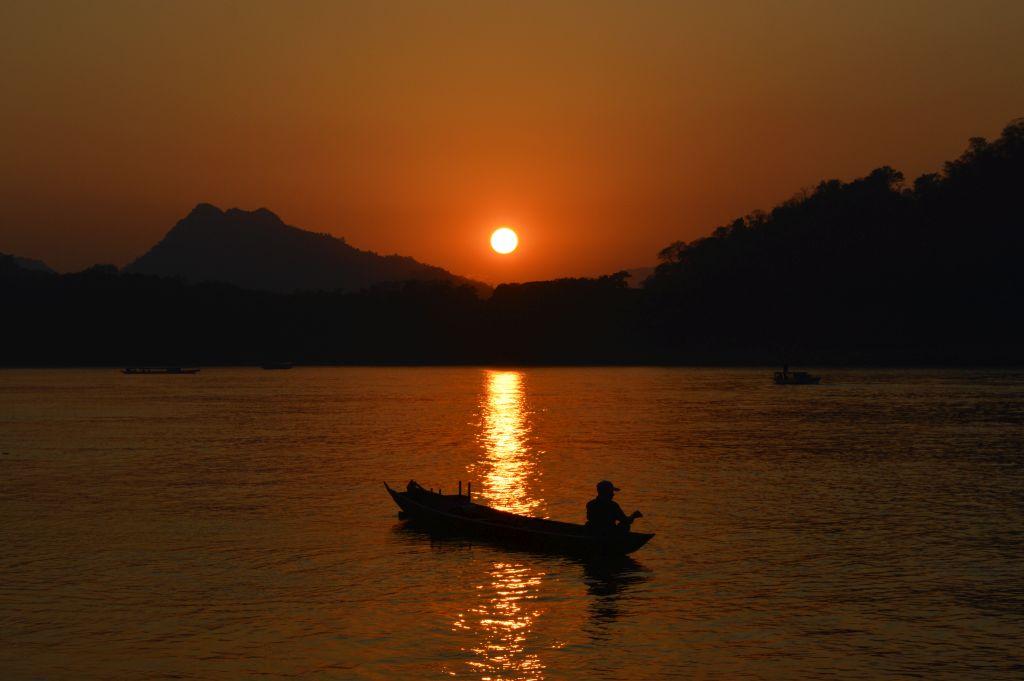 mooiste zonsondergangen - Laos - Luang Prabang - Mekong