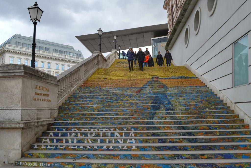 stairs trappen albertina museum vienna wenen