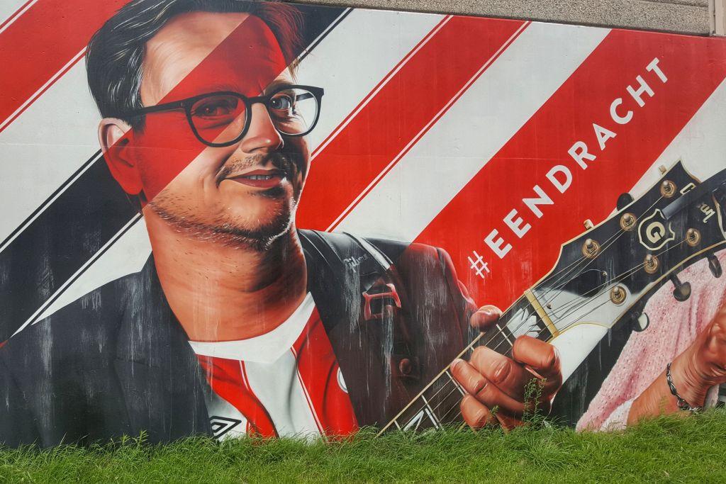 muurschildering Guus Meeuwis PSV Eindhoven