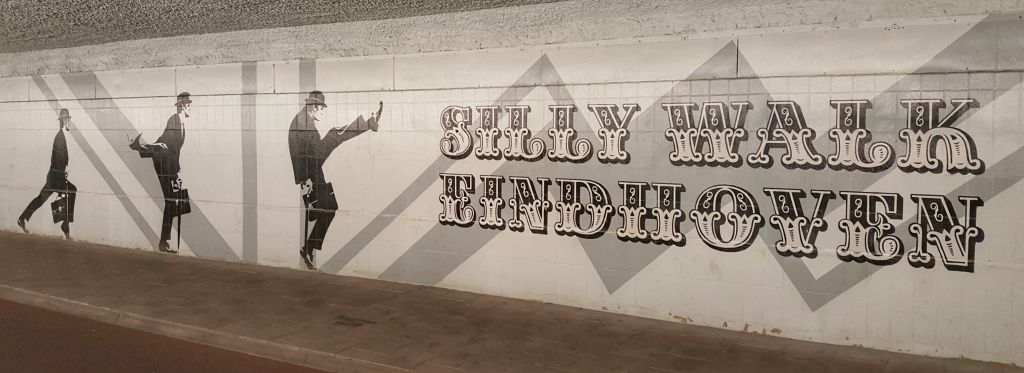 Silly Walks tunnel eindhoven