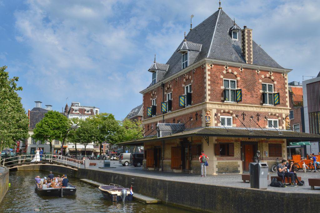 Praam varen - rondvaart Leeuwarden