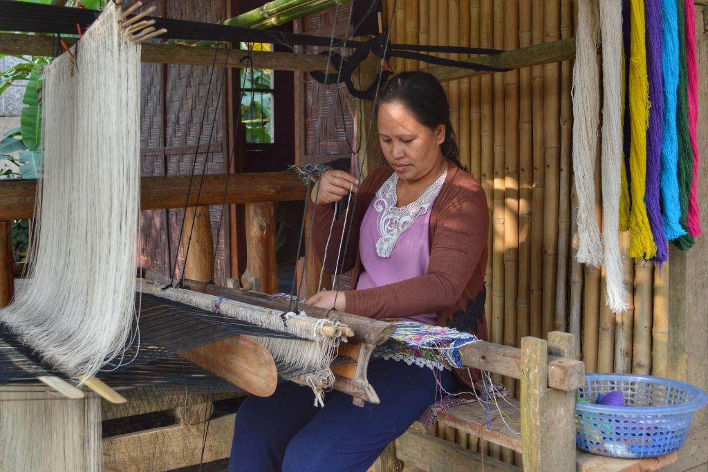 Weven Laos Nong Khiaw