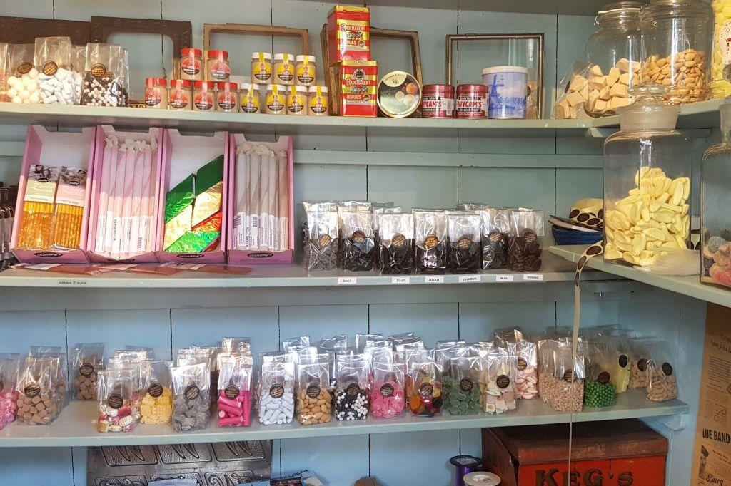 Bram en Aagje t kleinste Snoepwinkeltje