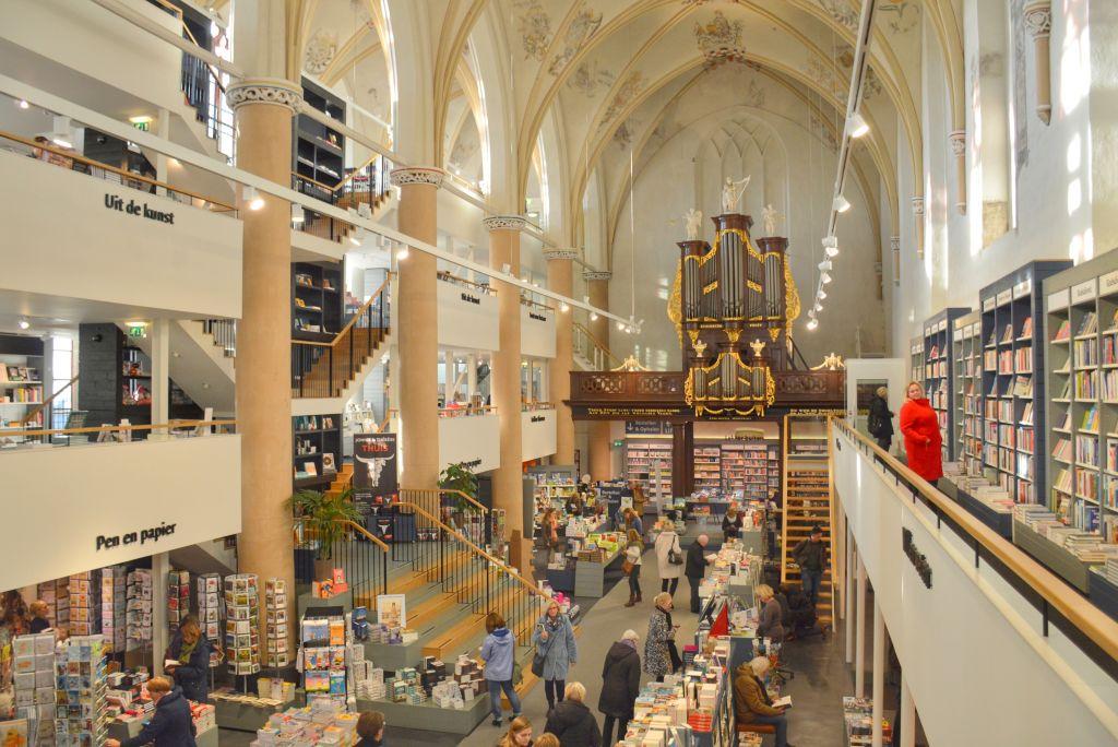 Boekhandel Waanders in den Broeren Zwolle