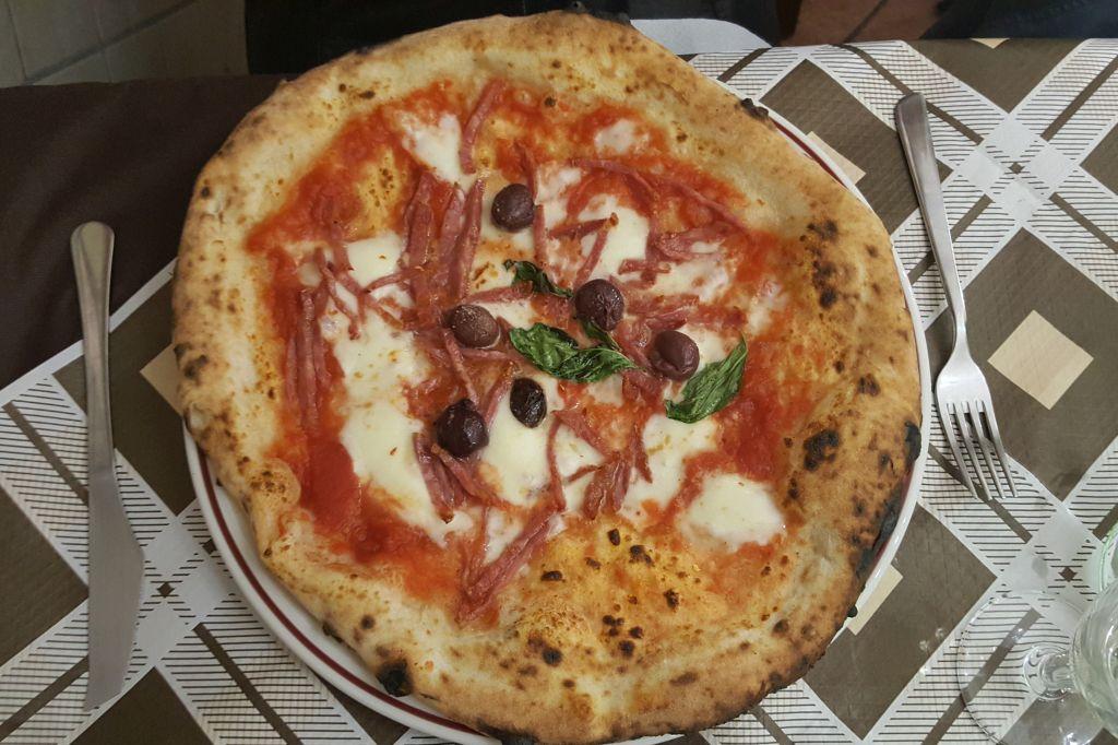 Pizzain Napels