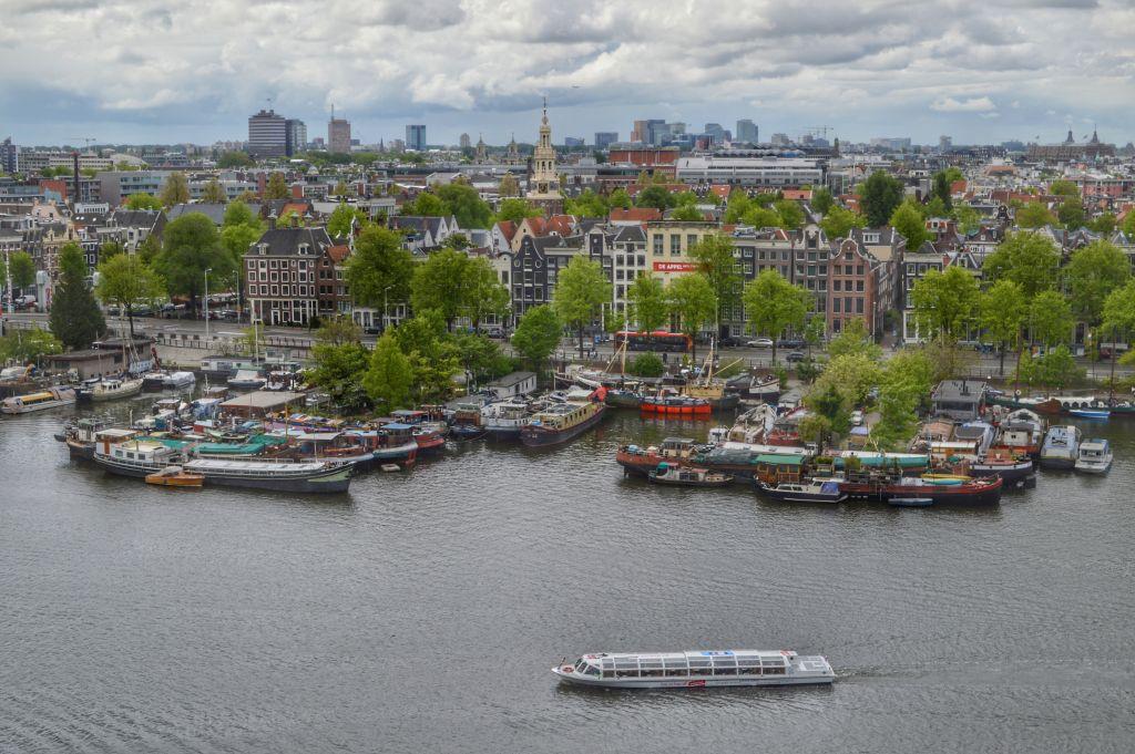Uitzicht vanaf de Openbare Bibliotheek Amsterdam