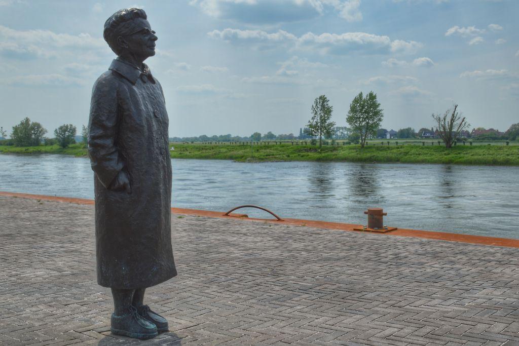 Standbeeld IJsselkade Zutphen