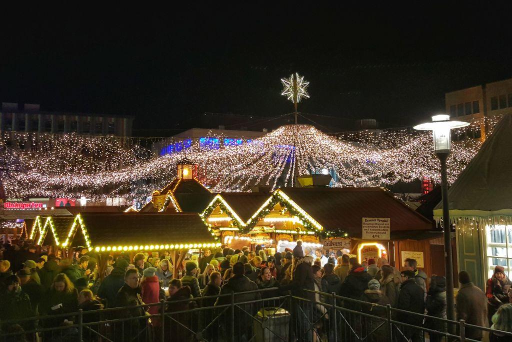 Kerstmarkt Kennedyplatz Essen