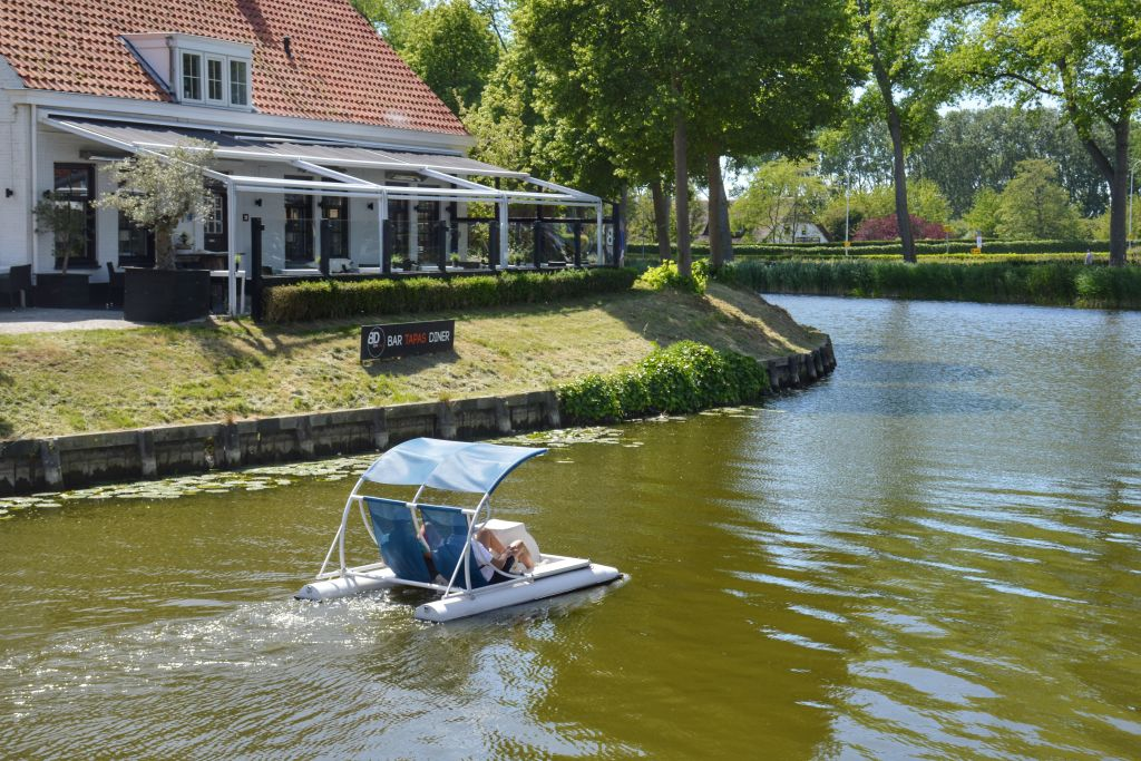 Waterfietsen in Sluis