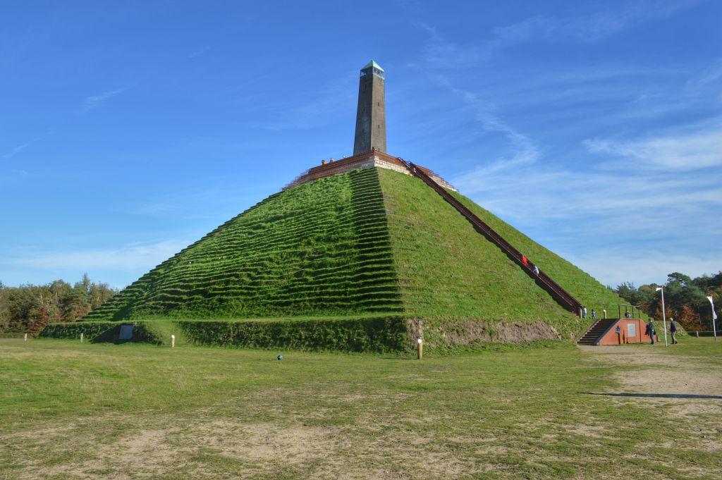 Pyramide van Asuterlitz