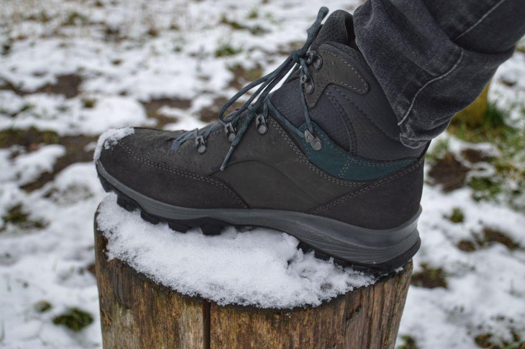 Hanwag wandelschoenen in de sneeuw